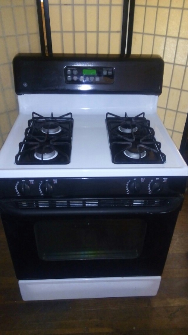 Buy and sell for free online ibuywesell next to new ge self clean gas stove - Clean gas range keep looking new ...