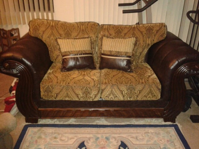 Buy And Sell For Free Online Ibuywesell Living Room Couch
