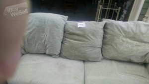 green couch with love seat (Massachusetts ) Worcester