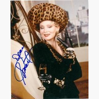 Jean Smart autographed photo 8x10 (Designing Woman - 24)